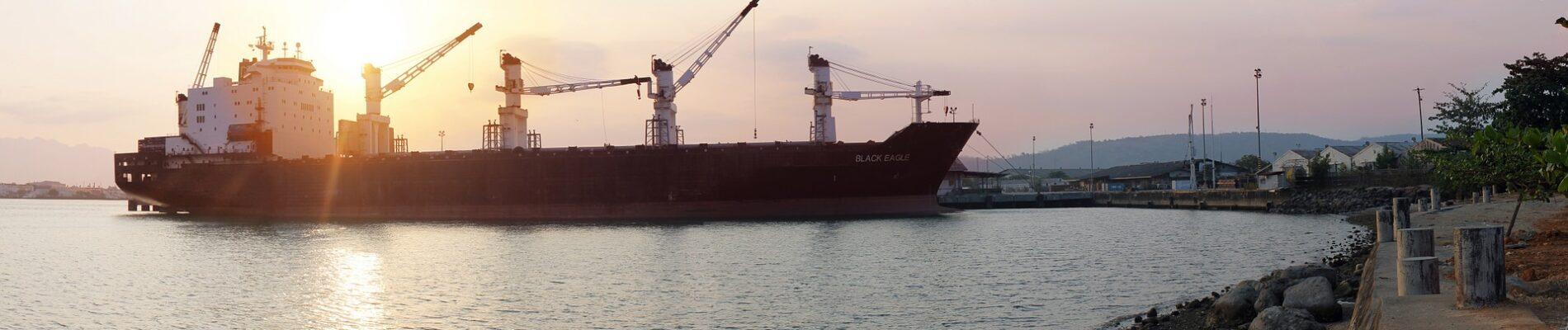 ship-698057_1920